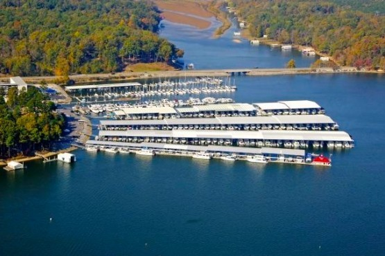 Aqua Yacht Harbor Marina - Pickwick Lake Marinas